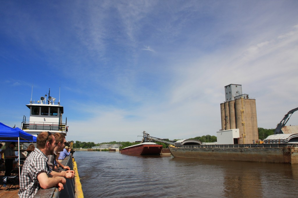 Barges Stalled on Ohio River-media-1