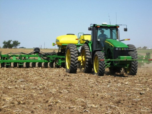 Farmers Not Overreacting Yet to Planting Delays-media-2
