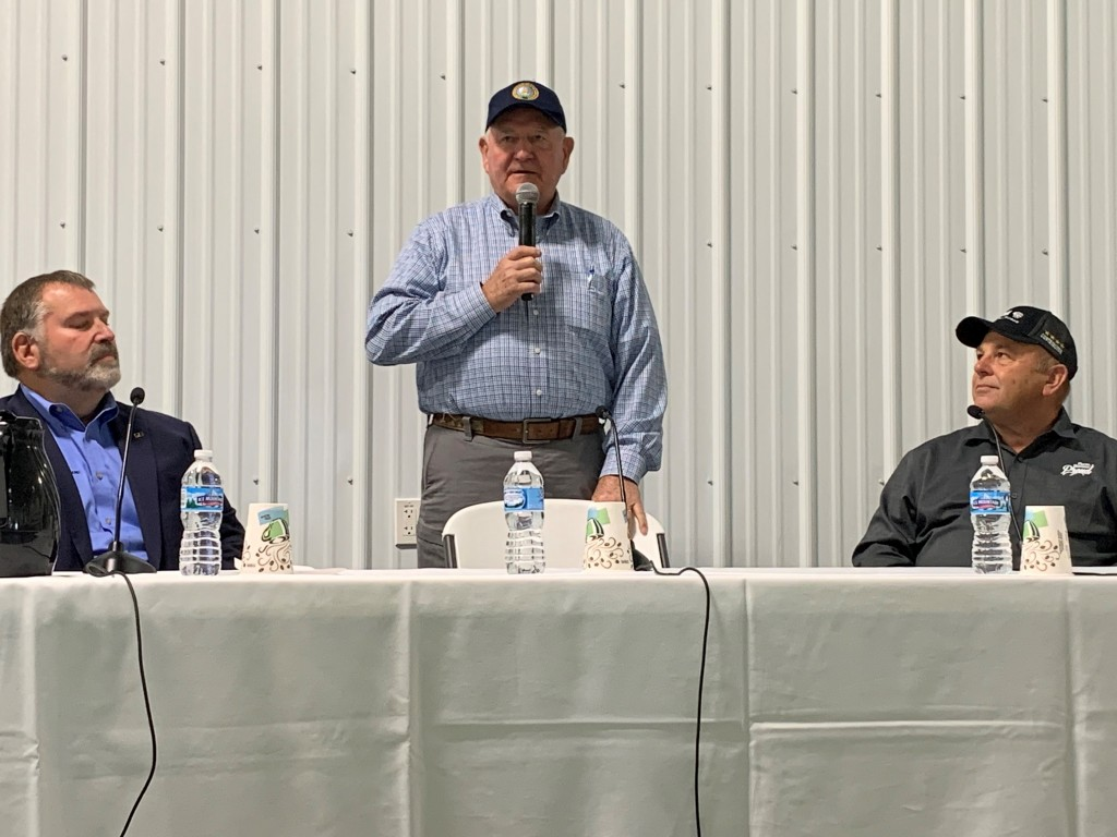 Left to right: Michigan Farm Bureau president Carl Bednarski, USDA Secretary of Agriculture Sonny Perdue, and American Farm Bureau president Zippy Duvall | Photo: Ashley Davenport