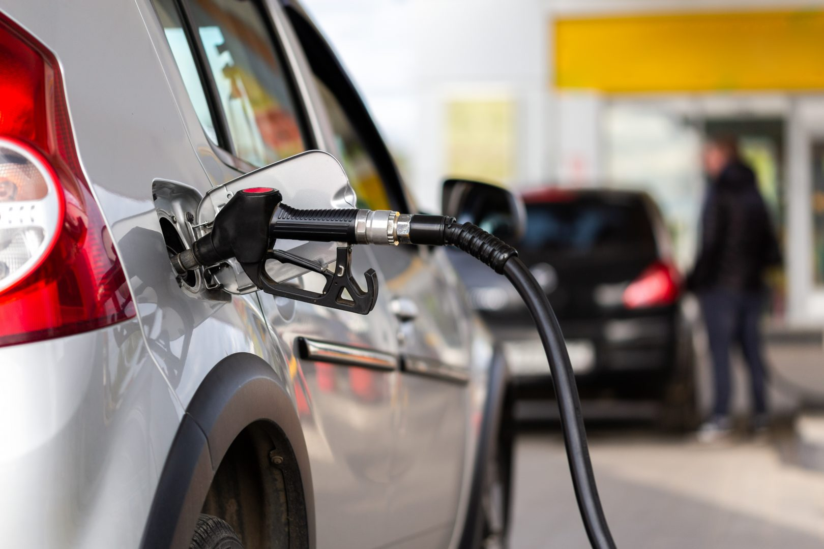 california to ban sale of new gas powered vehicles but it doesn t mean cleaner carbon footprint michigan ag today michigan ag today
