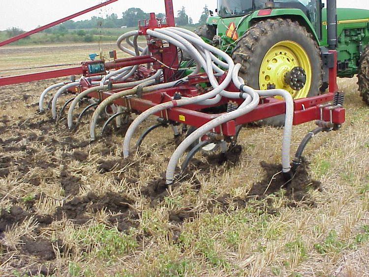Manure injection into wheat stubble. (Photo credit: Charles Gould)